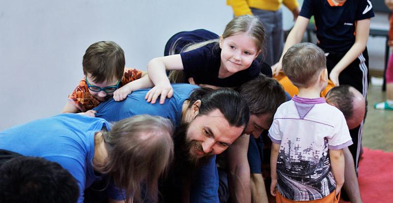 <h2>«Отцы и дети» </h2>Этно-музыкальные игровые занятия
